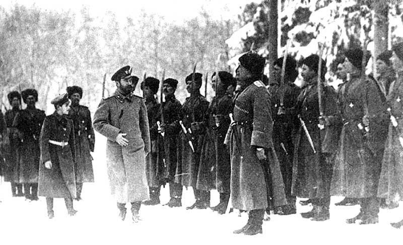 Николай 2 перед Генералами
